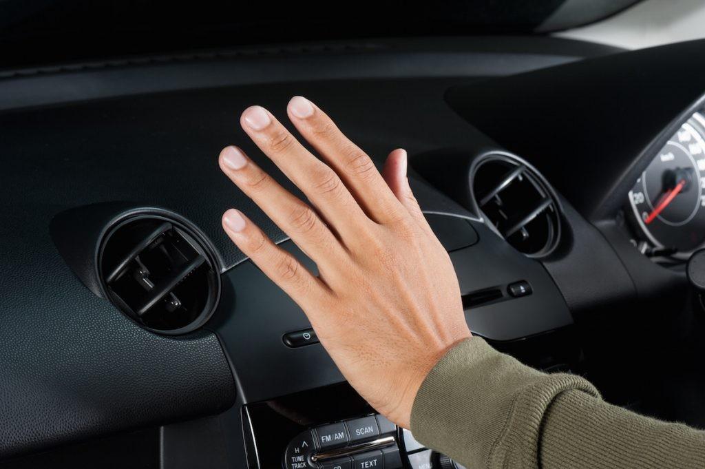 هل مكيف السيارة لا يعمل بشكل جيد؟ إليك حلول أكثر المشاكل الموجودة في تكييف السيارات