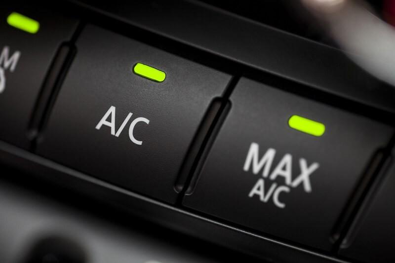 خطوات مهمة للحصول على أفضل أداء لمكيف السيارة